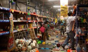 suman-113-detenidos-por-saqueos-en-tiendas-de-edomex